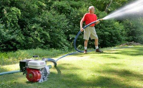 Когда необходимо установить насос для повышения давления воды
