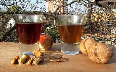 Лечебные свойства и принципы применения водочной настойки на перегородках грецкого ореха