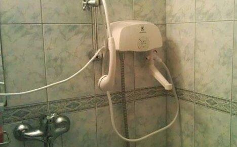 Проточный водонагреватель электрический на душ — летний комфорт