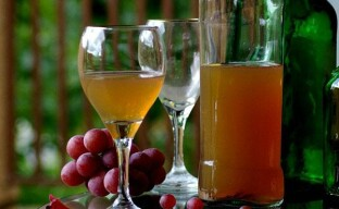Очистка домашнего вина химическими препаратами