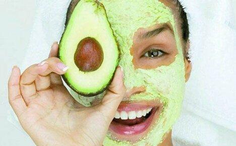 Делаем дома уникальную маску из авокадо для лица