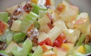 Салат из сельдерея — необычное сочетание пикантности и диеты