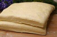 Как сделать слоеное тесто: простой и быстрый рецепт