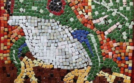 Мозаика своими руками на даче — вполне посильная задача!