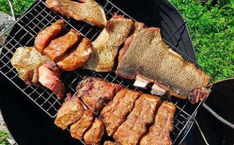 Как коптить рыбу в коптильне горячего копчения, чтобы она была сочной?