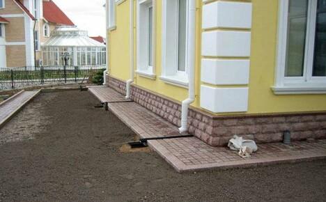 Виды отмосток вокруг дома: разные стили, функции и технологии