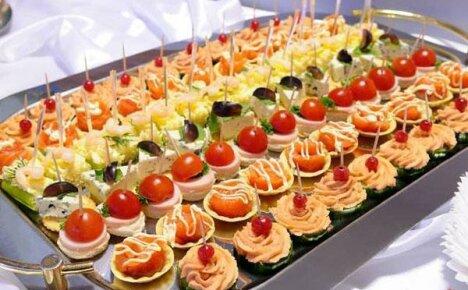 Идеи оригинальных закусок на шпажках и советы по их приготовлению