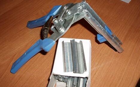 В помощь мастеру скобообжимный инструмент из Китая