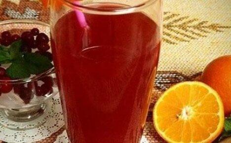 Готовим полезный напиток — морс из клюквы