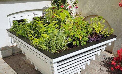 Декор садового участка своими руками из подручных материалов 11