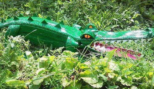 Крокодил из шин