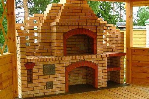 Фото мангалов из кирпича с крышей своими руками фото 311