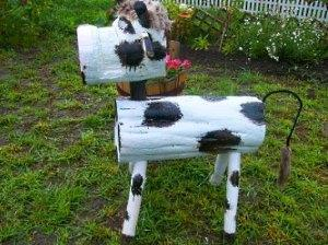 теленок из бревен
