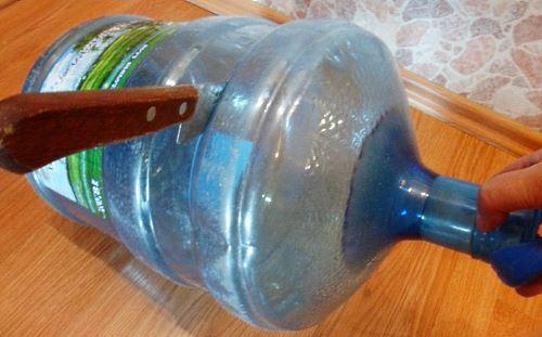 Подготовка пластиковой бутылки к выращиванию огурцов