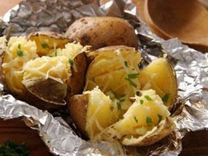 Картофель запеченный в фольге