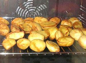Картофель запеченный на решетке