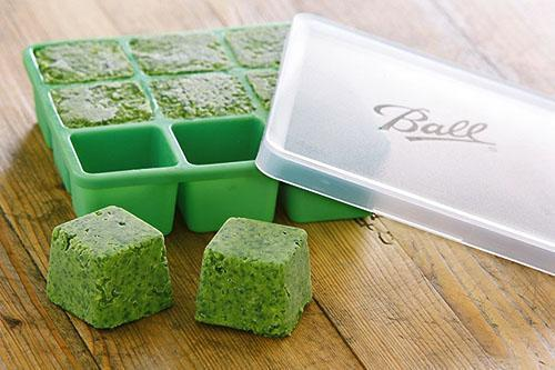 Кубики из ассортимента свежих трав