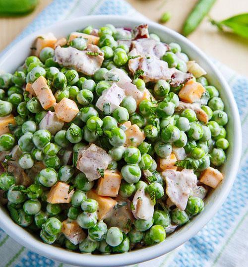 Салат с зеленым горохом