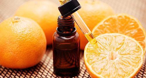 Для нормализации сна используют эфирное масло мандарина