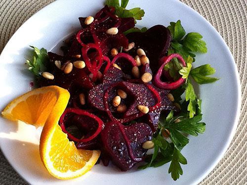 Салат из красной свеклы поможет снизить артериальное давление