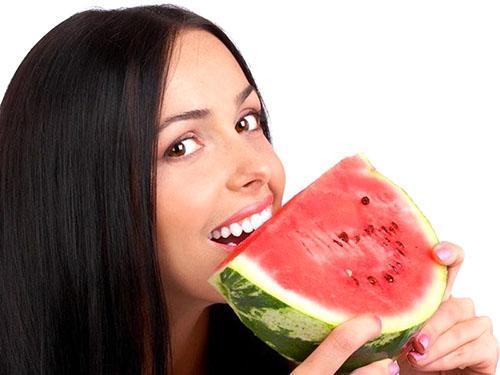 Сочная ягода богата витаминами