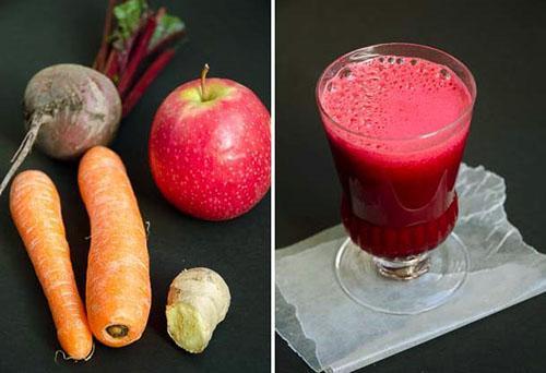 Лучше всего употреблять сок из нескольких полезных плодов