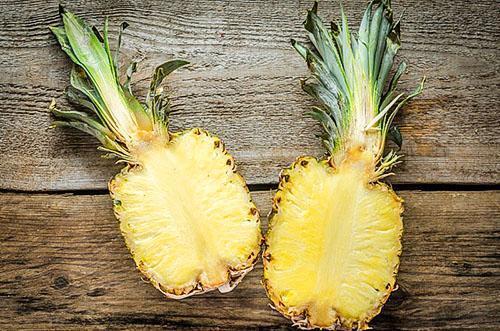 Беременным женщинам употреблять ананас не рекомендуется