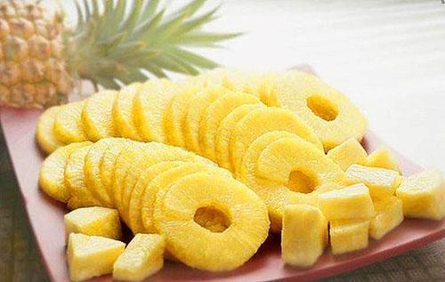 Центральный стволик в ананасе не употребляют из-за его жесткости
