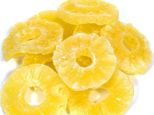 В сушеном ананасе есть минералы, клетчатка и комплекс витаминов