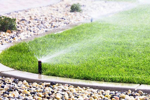 Хорошая система полива - это равномерное увлажнение всего газона
