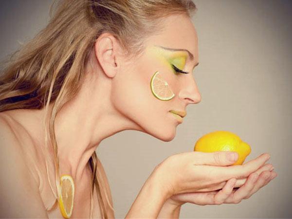 Масло лимона используют не только для лица, но и для волос
