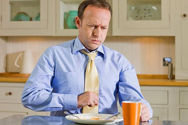 Нельзя употреблять лимон при повышенной кислотности желудка