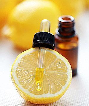 При ревматических болях эффективны ванночки с маслом лимона