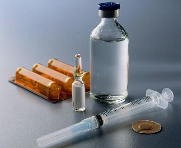 Для внутреннего применения в аптеках продается экстракт алоэ в ампулах