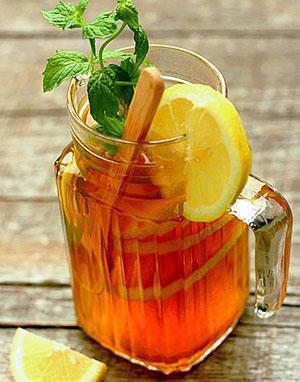 Напиток богат витаминами, пектинами, кислотами, белками, сахарами