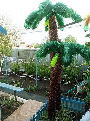 Пальма готова и установлена на участке