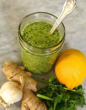 Полезный состав из мяты, имбиря, лимона и чеснока