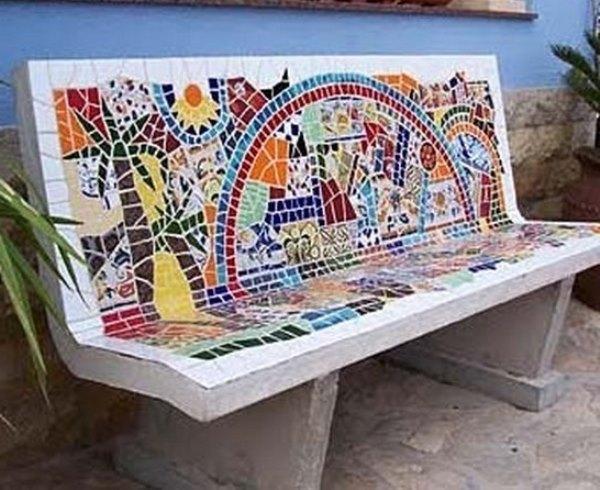 Мозаика на скамье