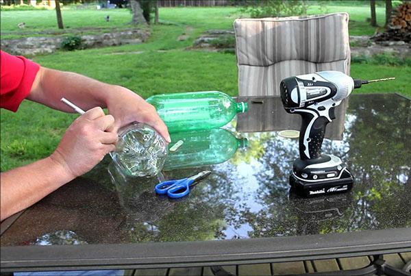 Изготовление вакуумной поилки из пластиковых бутылок