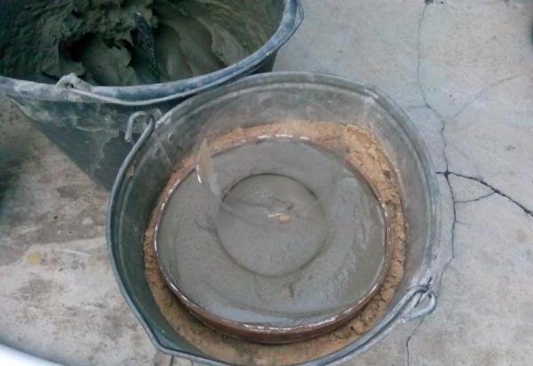 Формирование выемки в шляпке гриба