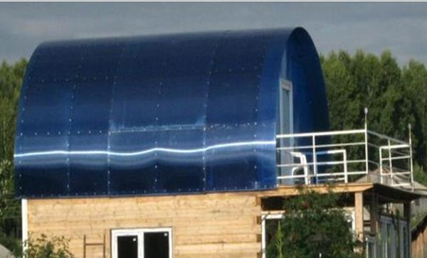 Теплица с крышей из поликарбоната