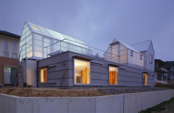 Дом, спроектированный с теплицей на крыше