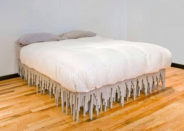 Кровать из труб