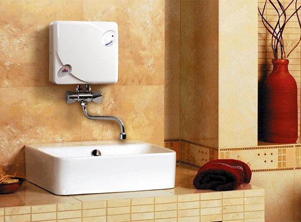 Практичный водонагреватель на даче