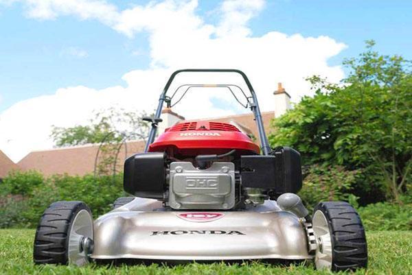 Самоходная газонокосилка Honda HRG466SKE