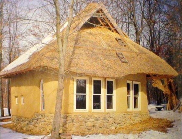 Дом из самодельных кирпичей