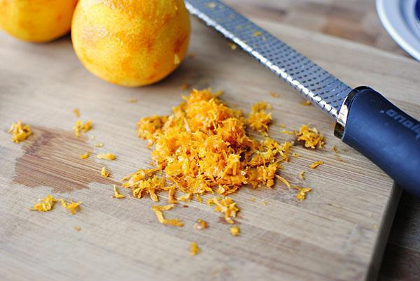 очищаем апельсины