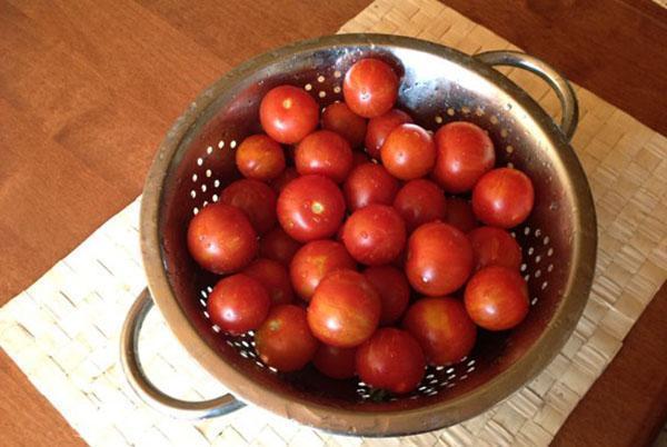 помытые помидоры