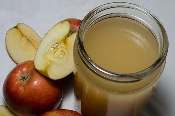 сок из спелых яблок