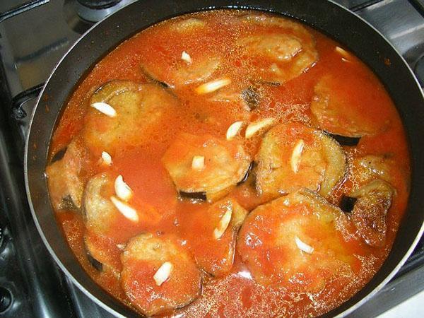 заливаем томатным соком